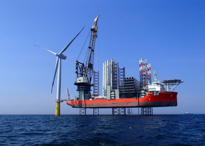 Cadeler orders deck crane for WIV 'Wind Orca'